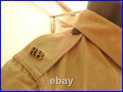 An Original Military WW2 Rifle Brigade Tropical Tunic Shirt Uniform Badge (4979)