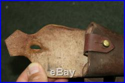 Original WW2 Canadian Army Officers Five Pocket Leather Ammo Bandolier, 1942 d